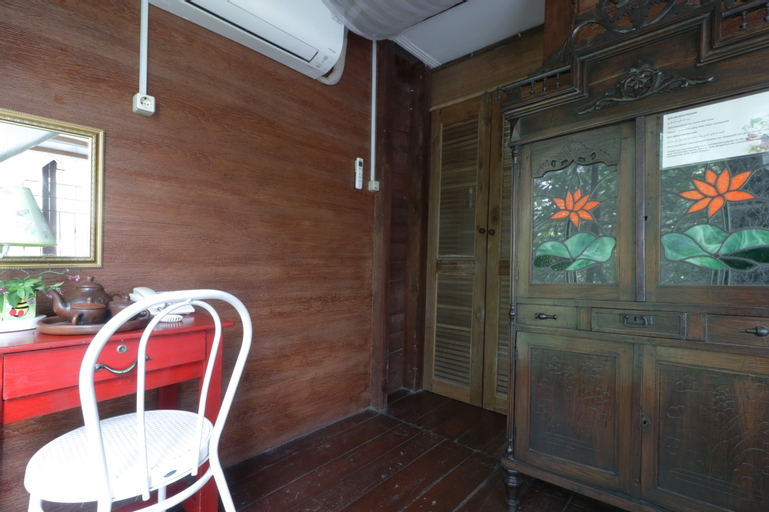 NILA HOUSE, Sharia Family Home Stay, South Jakarta