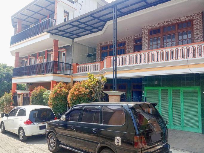 OYO 3827 Simpang Neptunus 1 Syariah, Malang