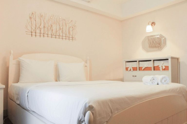 Comfortable 2BR Apartment at H Residence By Travelio, East Jakarta