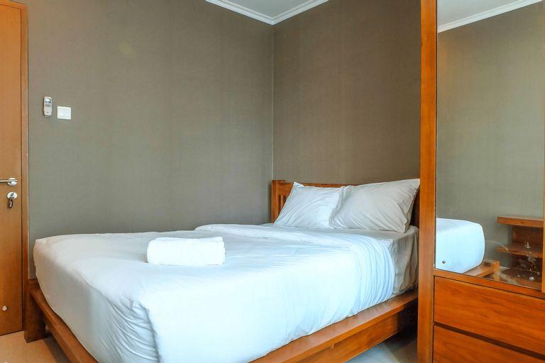 Best Price 2BR Hampton's Park Apartment Near Pondok Indah Mall By Travelio, Jakarta Selatan