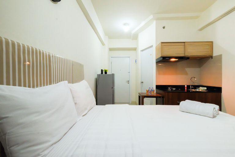 Studio Green Pramuka City Apartment with Mall Access By Travelio, Central Jakarta