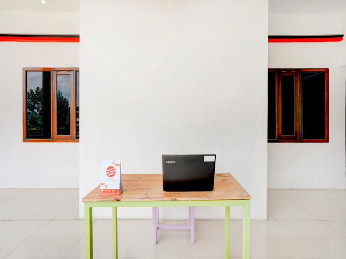OYO 3702 Homestay Bougenville, Lamongan