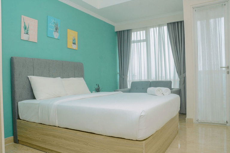 Fully Furnished and Comfortable Design Studio Menteng Park Apartment By Travelio, Central Jakarta