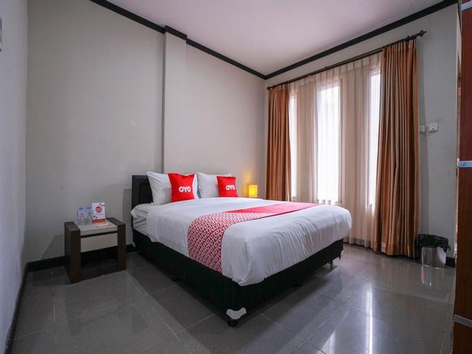 Capital O 2102 Grand Mutiara Hotel, Central Bangka