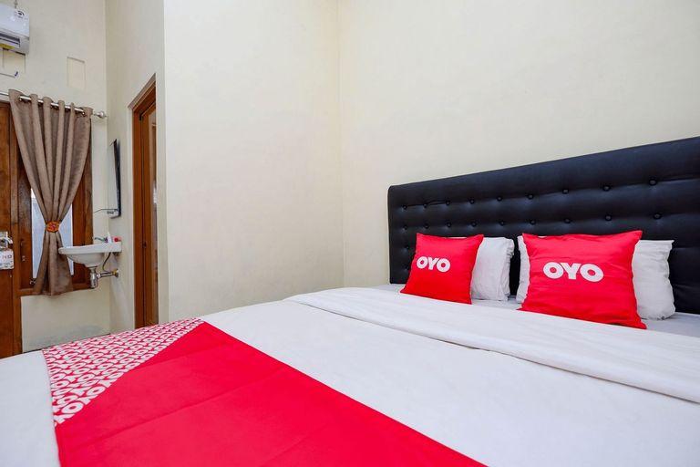 OYO 2258 Santana Syariah Guest House, Solo
