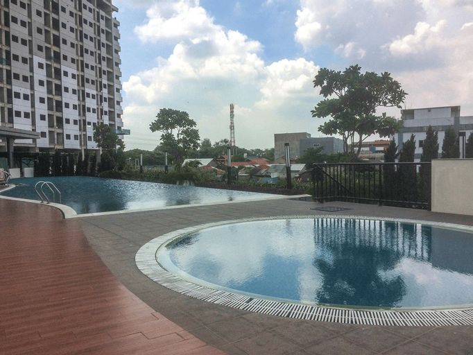 Sophisticated Studio at The Oasis Apartment By Travelio, Cikarang