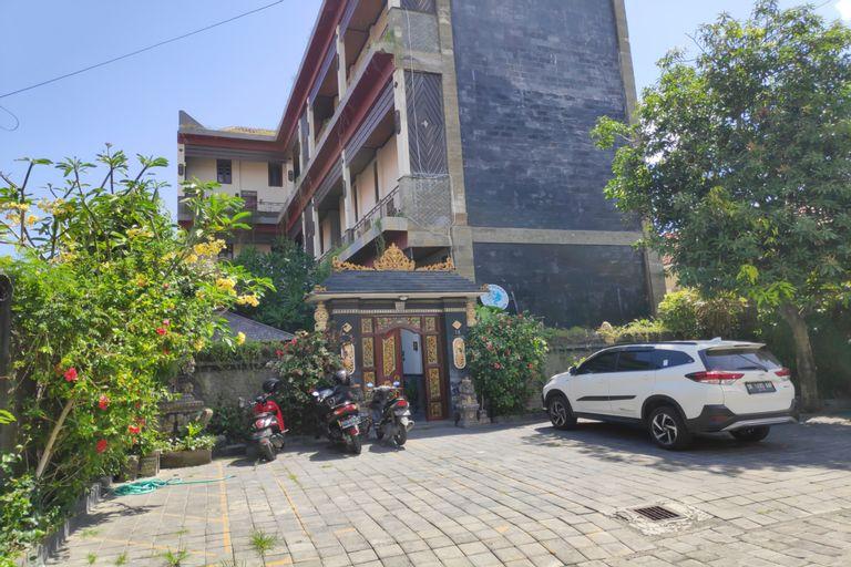 OYO 90076 Guesthouse Graha Pande Residence, Denpasar