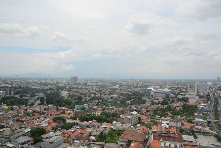 Comfy Strategic 1BR Apartment Atlanta Residence near Universitas Indonesia By Travelio, Depok