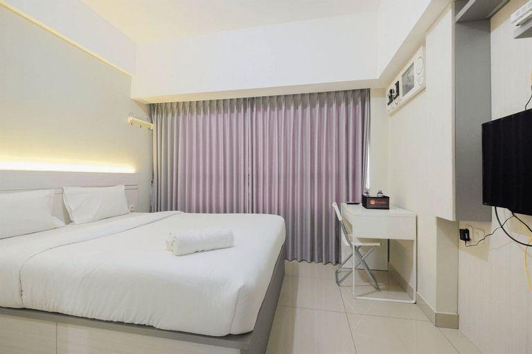 Elegant Studio Room at Springlake Summarecon Apartment By Travelio, Bekasi