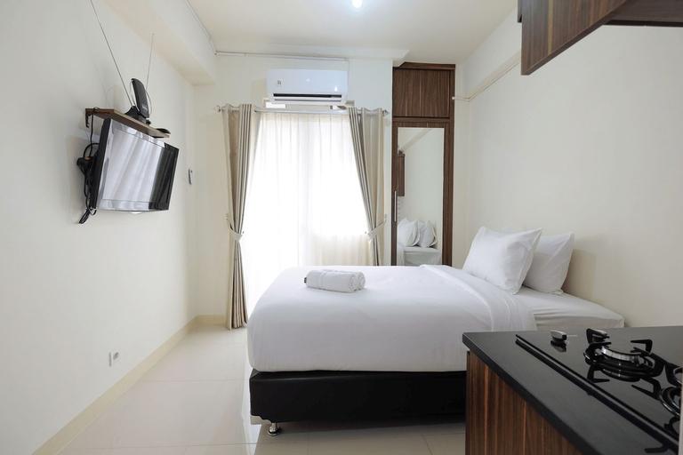 Comfy Studio Apartment @ Green Pramuka City By Travelio, Central Jakarta