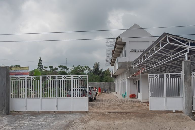 RedDoorz Syariah near Wisata Situ Gunung Sukabumi, Sukabumi