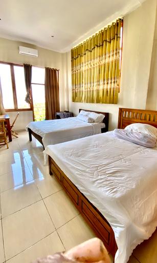 Pesona room and restaurant, West Manggarai