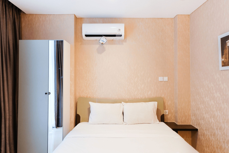 Compact Brooklyn Alam Sutera Studio Apartment By Travelio, Tangerang Selatan