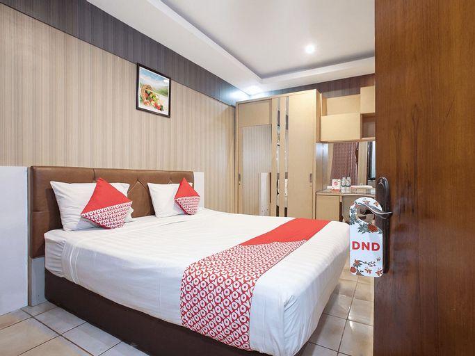 OYO 164 Ang'S Residence, Surabaya