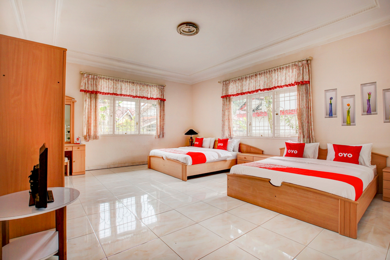 OYO 90080 Villa Lotus E06, Bogor