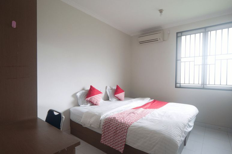 OYO 3049 Scientia Dormitory Near RS Bethsaida, Tangerang