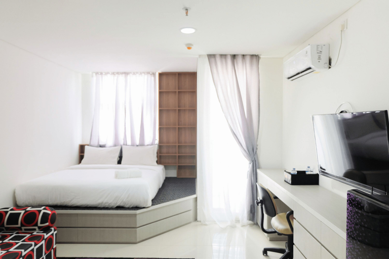 Modern City View Studio Apartment at Tuscany Residences By Travelio, Tangerang Selatan