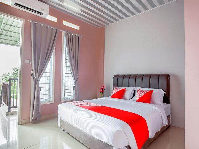 OYO 3073 Twin House Syariah, Padang