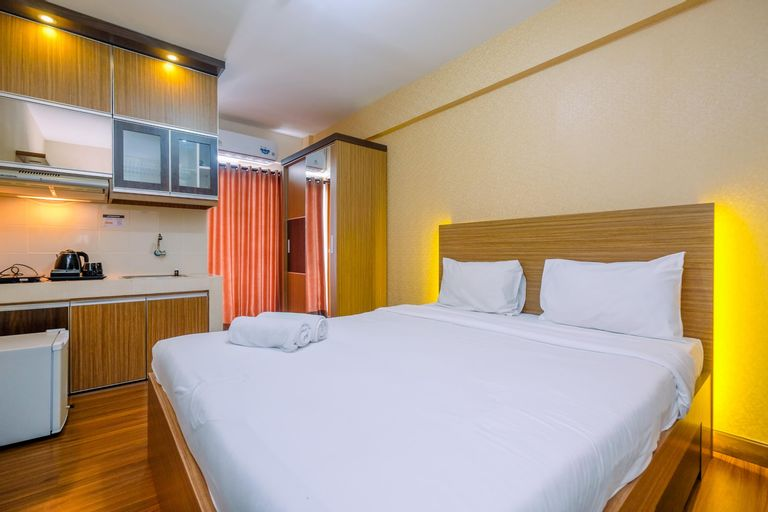 Cozy and Simple Living Studio Apartment at Cinere Resort By Travelio, Depok