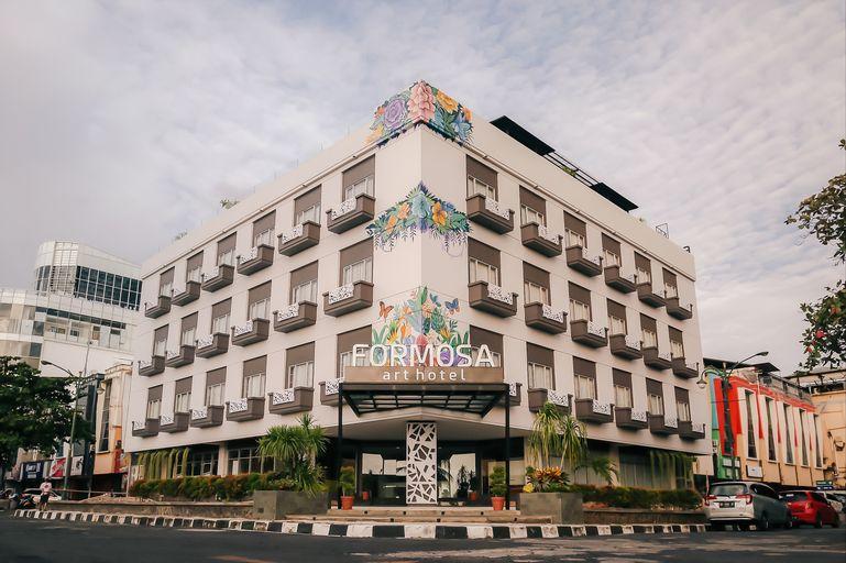 Formosa ArtHotel, Manado
