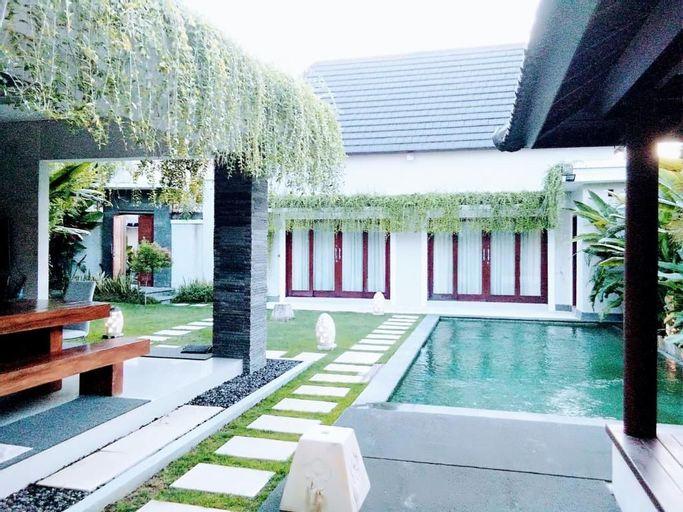 Aka Private Pool Villa Seminyak, Badung