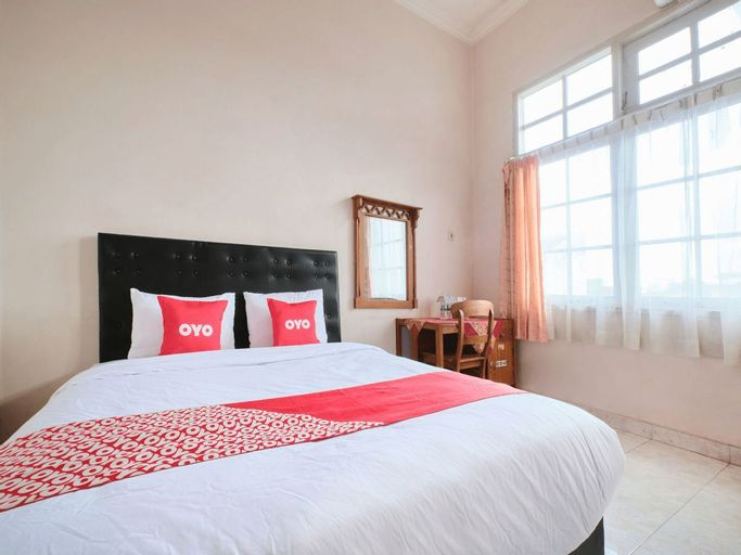 OYO 2061 Rizki Dhira Guest House Syariah, Sleman