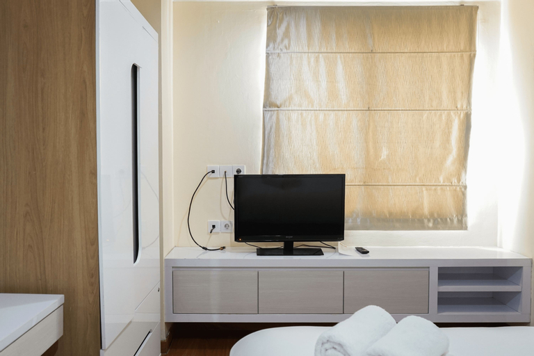Comfy 1BR at Green Central City Apartment By Travelio, Jakarta Barat