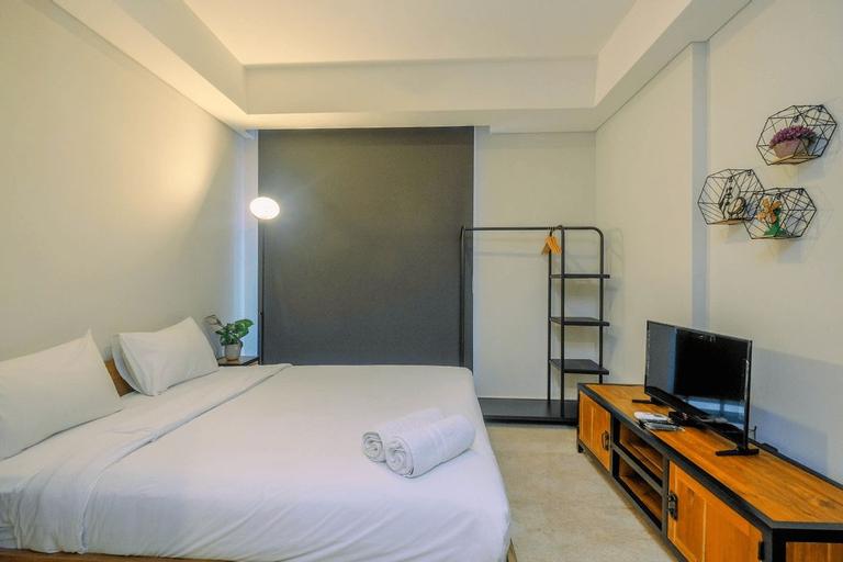 Cozy Gold Coast Studio Apartment with Pool and Sea View By Travelio, Jakarta Utara