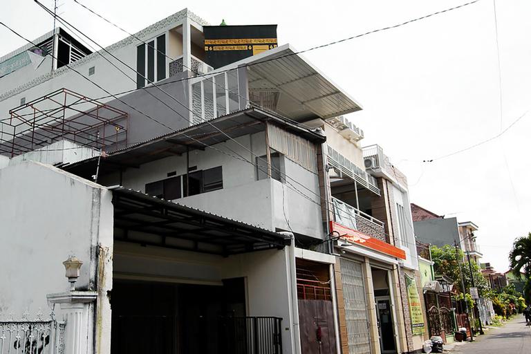 OYO 3949 Griya Aisyah Syariah, Malang