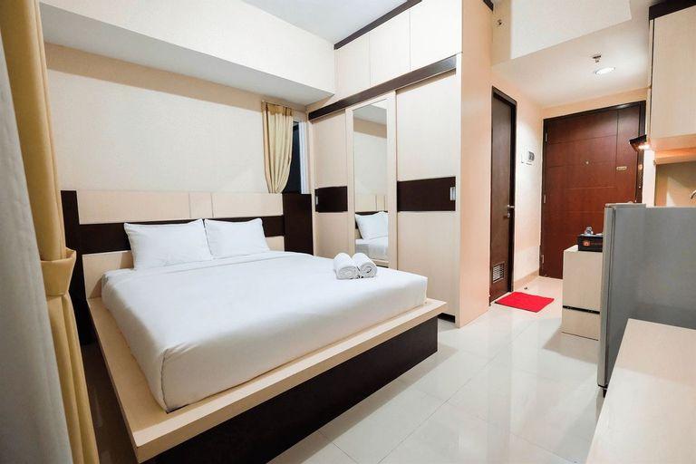 Cozy Studio Room Grand Dhika Apartment By Travelio, Bekasi