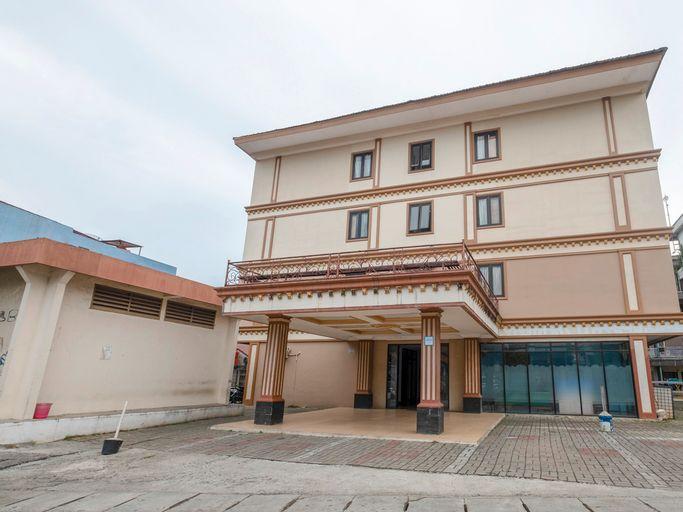 OYO 3747 Comfort Residence, East Jakarta