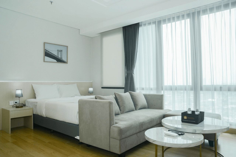 Comfortable Studio Room at Capitol Suites Apartment By Travelio, Central Jakarta