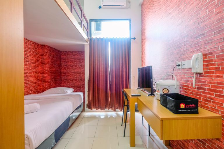 Cozy and Simple Studio at Dave Apartment By Travelio, Depok
