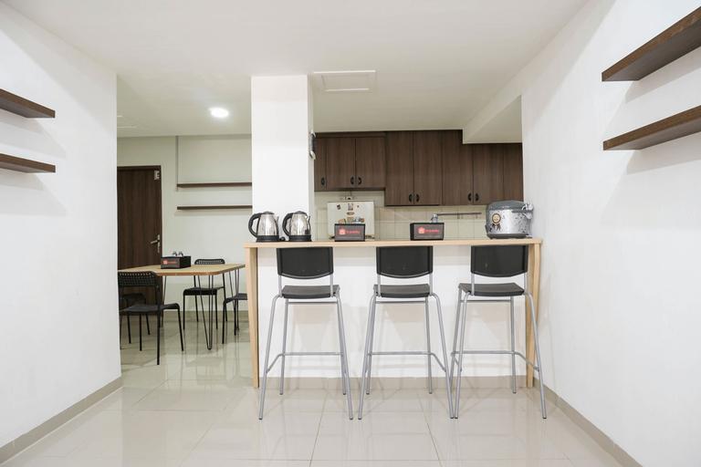 Spacious Studio 1st Floor at Meruya 8 Puri Kembangan By Travelio, West Jakarta