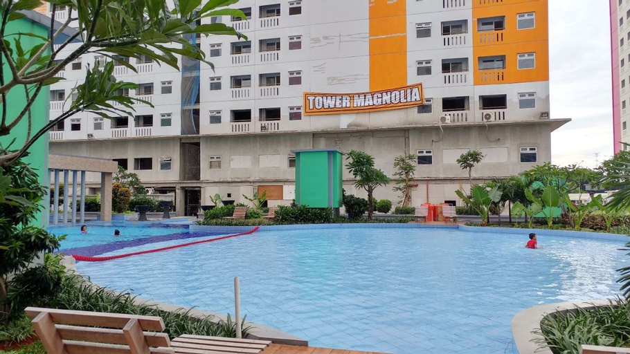 Furnished Studio with Comfortable Design Green Pramuka Apartment By Travelio, Central Jakarta