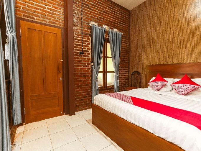 OYO 1230 Kampoeng Osing Syariah Guesthouse, Banyuwangi