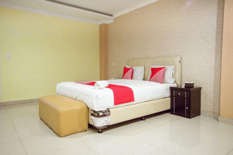 OYO 3023 Yellow Residence, Medan
