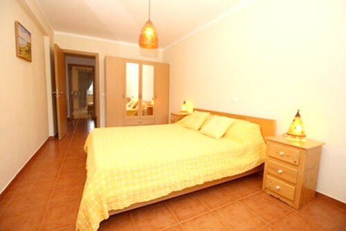 Apartment With 3 Bedrooms In Olhao, With Wonderful Sea View, Furnished Terrace And Wifi - 900 M From, Olhão