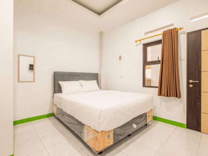 OYO Life 2449 Sandila Residence, Bandung