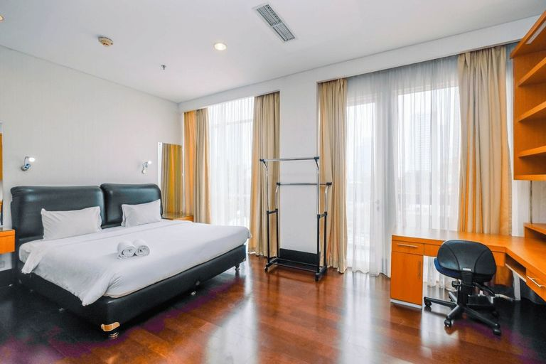 Minimalist and Spacious Studio Apartment at Pearl Garden By Travelio, South Jakarta