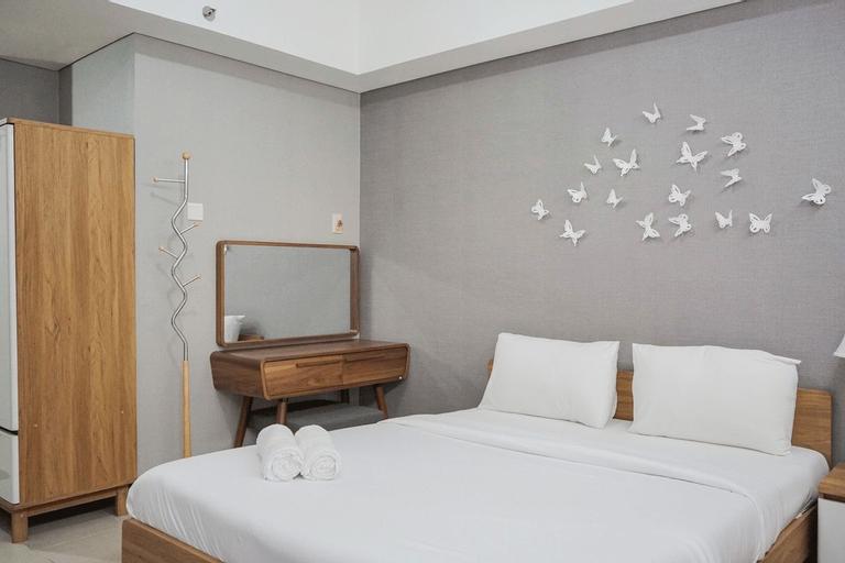 Minimalist and Warm Studio Apartment at Bintaro Plaza Residence By Travelio, Tangerang Selatan
