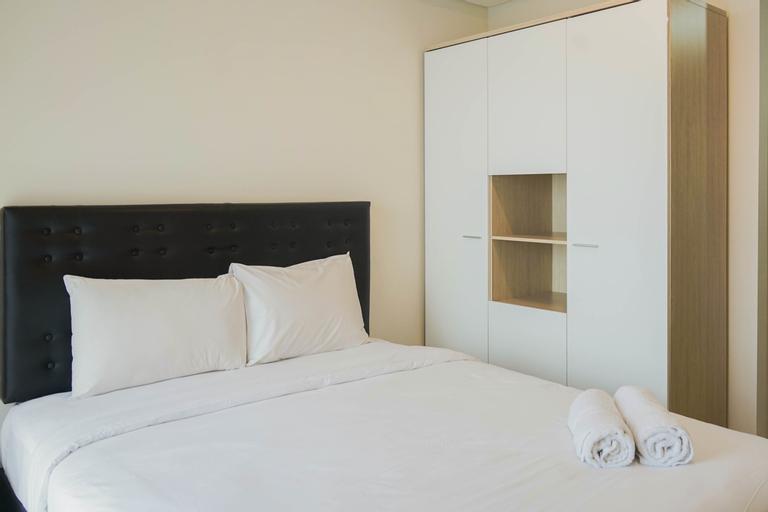 New Furnished Studio Sea View @ Gold Coast Apartment By Travelio, Jakarta Utara