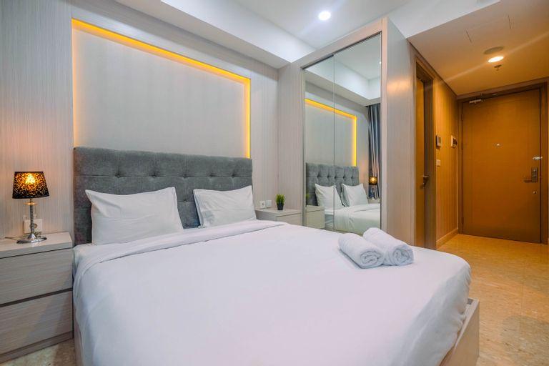 Highest Value Studio Apartment at Gold Coast PIK By Travelio, Jakarta Utara