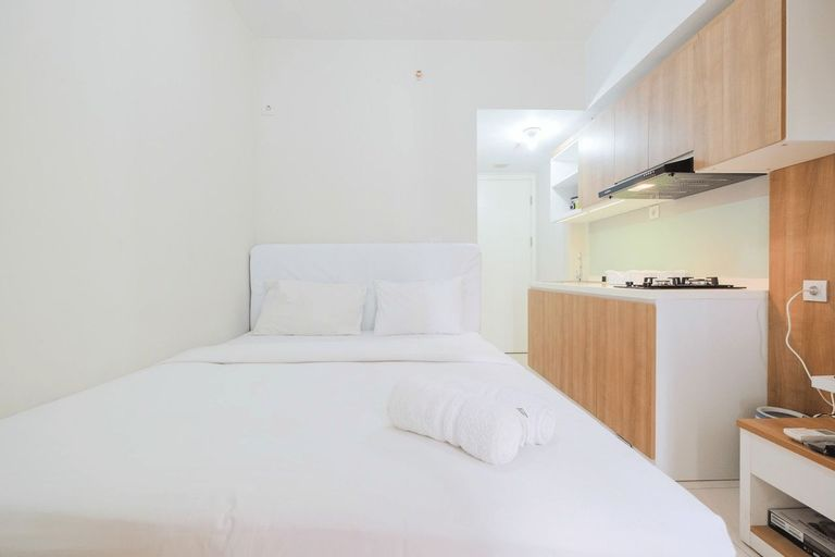 Functional Studio Apartment at The Springlake Summarecon By Travelio, Bekasi