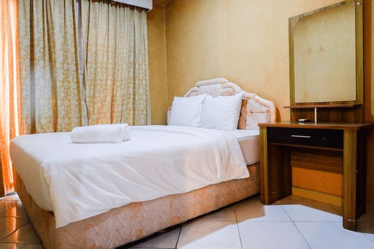 Spacious 1BR Apartment at Taman Beverly By Travelio, Surabaya