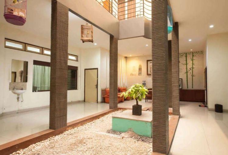 Soerabaja Place Guest House, Surabaya