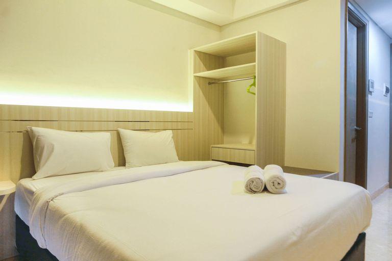 New Studio with Sea View at Gold Coast Apartment By Travelio, Jakarta Utara