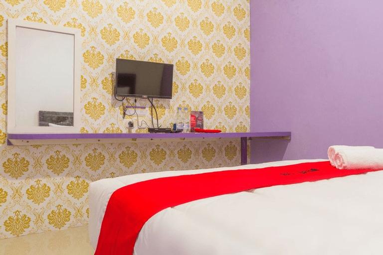 RedDoorz Plus @ Tuparev Cirebon 2, Cirebon