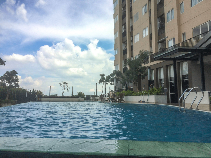 Bright and Stylish 1BR The Oasis Apartment Cikarang By Travelio, Cikarang