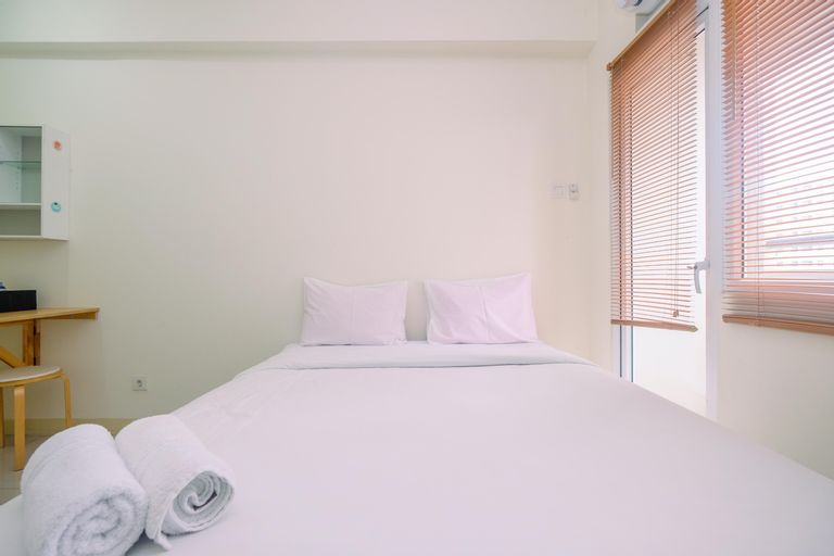 Cozy Studio with Direct Access to Mall at Green Pramuka Apartment By Travelio, Central Jakarta